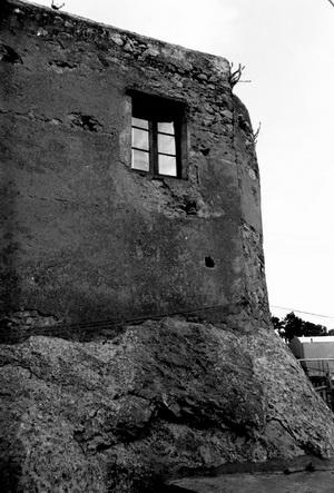 tipico-esempio-di-arte-muraria-caprese-foto-p-arcucci