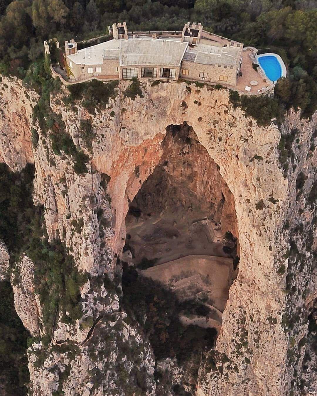grotta-del-castiglione