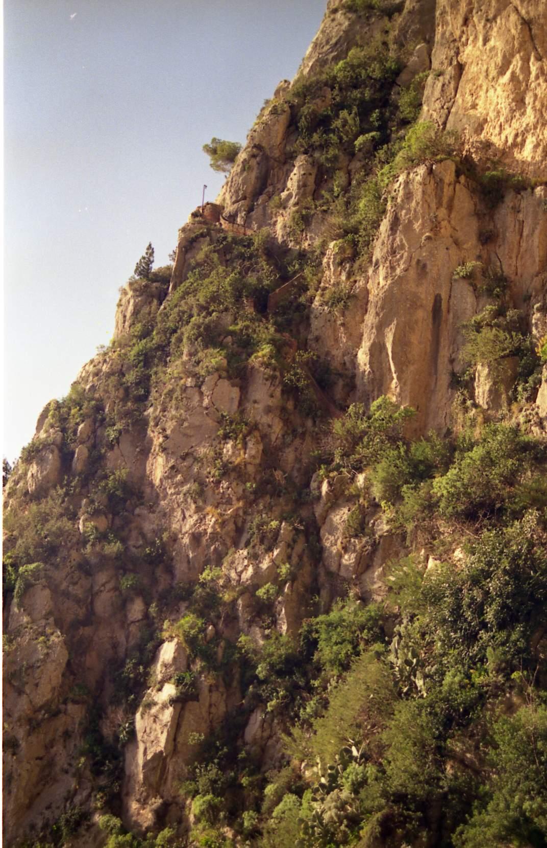 grotta-del-castiglione-percorso-di-accesso