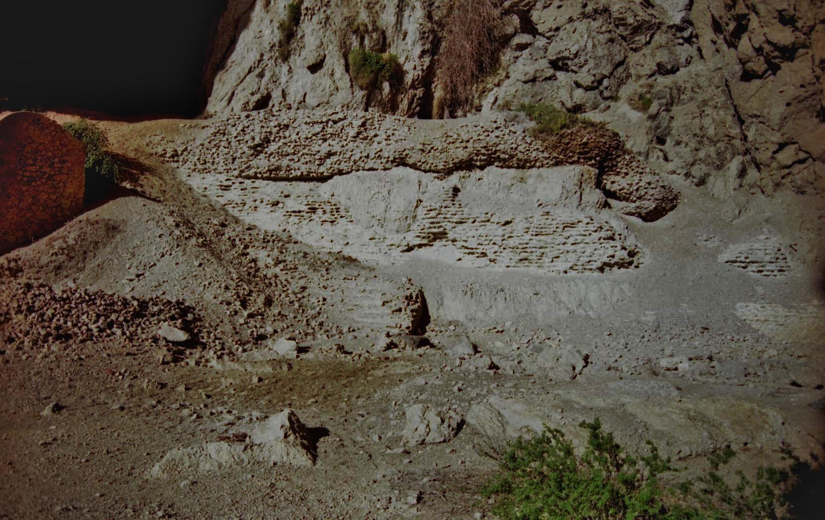 grotta-del-castiglione-resti-di-opere-romane